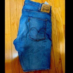 502 Levi's shorts size 38